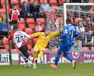 Marriott smashes the winner vs Alfreton at Kingfield