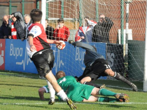 Arter smashes home to send Woking into the first round