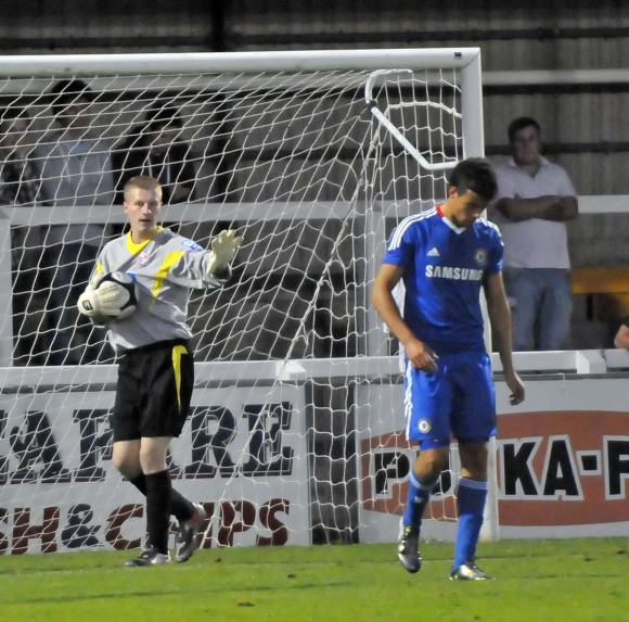 Di Santo is frustrated at Kingfield
